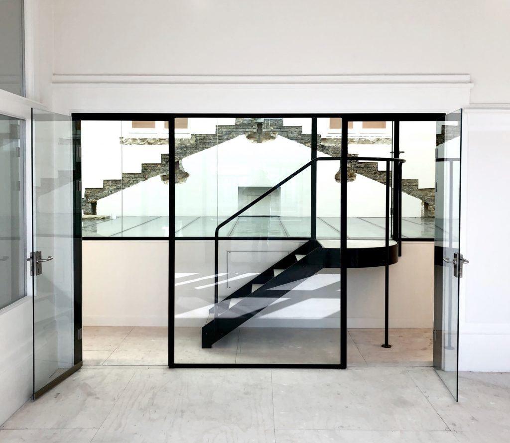 scheidingswand & beloopbaarglas voor kantoor, werk Rotterdam.